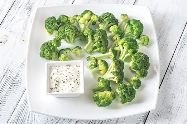 steamed broccoli with yogurt tzatziki dip