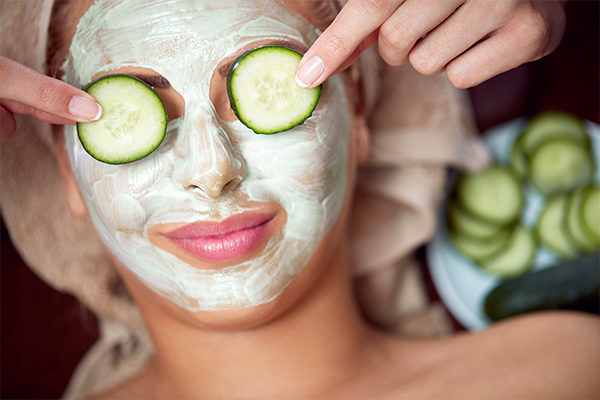 how to make and use cucumber and banana mask