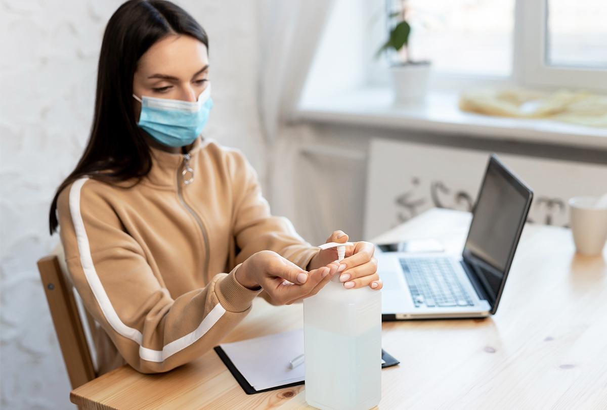 elizabeths struggle against coronavirus