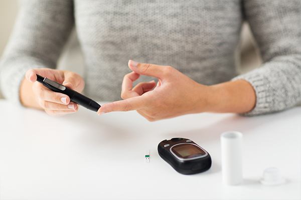 is dark chocolate consumption safe for diabetics?