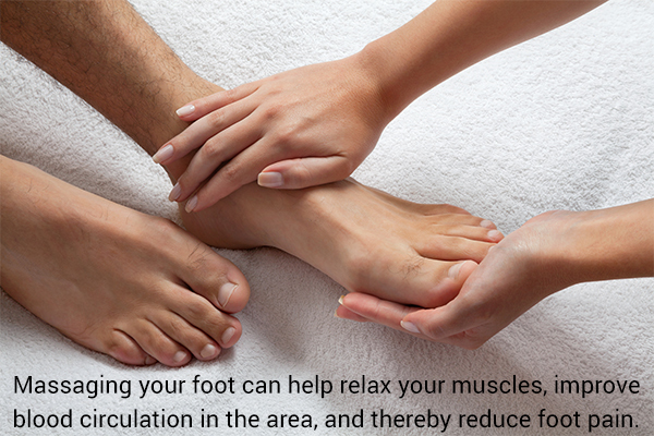 foot massage may help in reducing foot pain