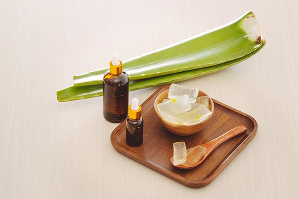 application of aloe vera gel can help reduce dark spots