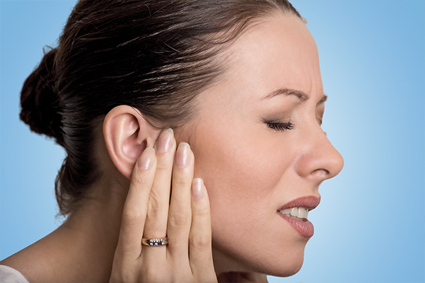 complications of excessive earwax buildup