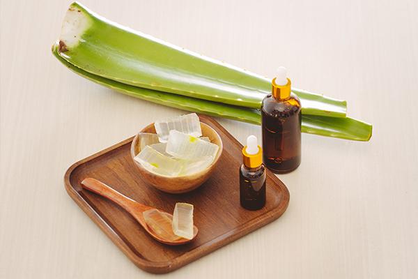 aloe vera application can help reduce scars