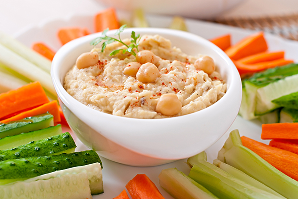 consuming low-carb veggies and hummus can help manage diabetes