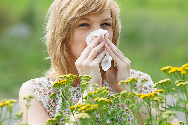 signs and symptoms of allergies