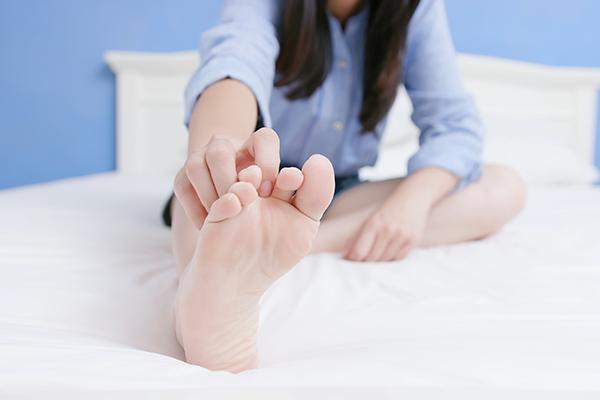 symptoms that accompany athlete's foot