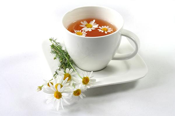 chamomile tea can help relieve nausea