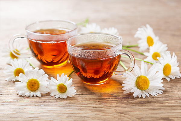consuming chamomile tea can help control sneezing fits