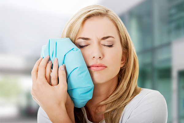 application of cold/warm compress can relieve tmj pain