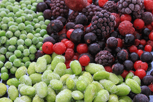 is it safe to consume frozen fruits and vegetables?