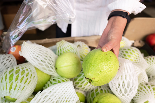 proper selection and storage tips for guava