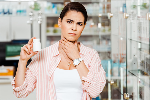 medical treatment options for a sore throat
