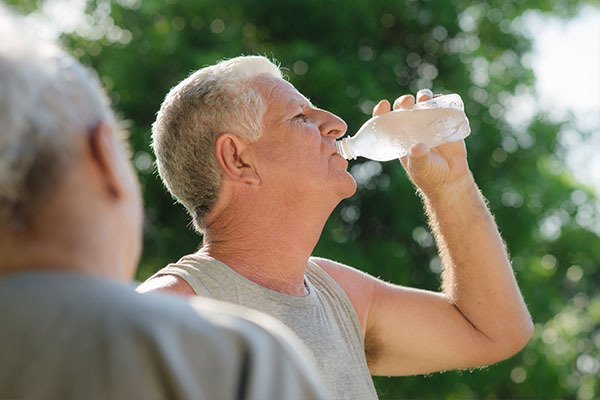 experts advice on preventing dehydration in the elderly