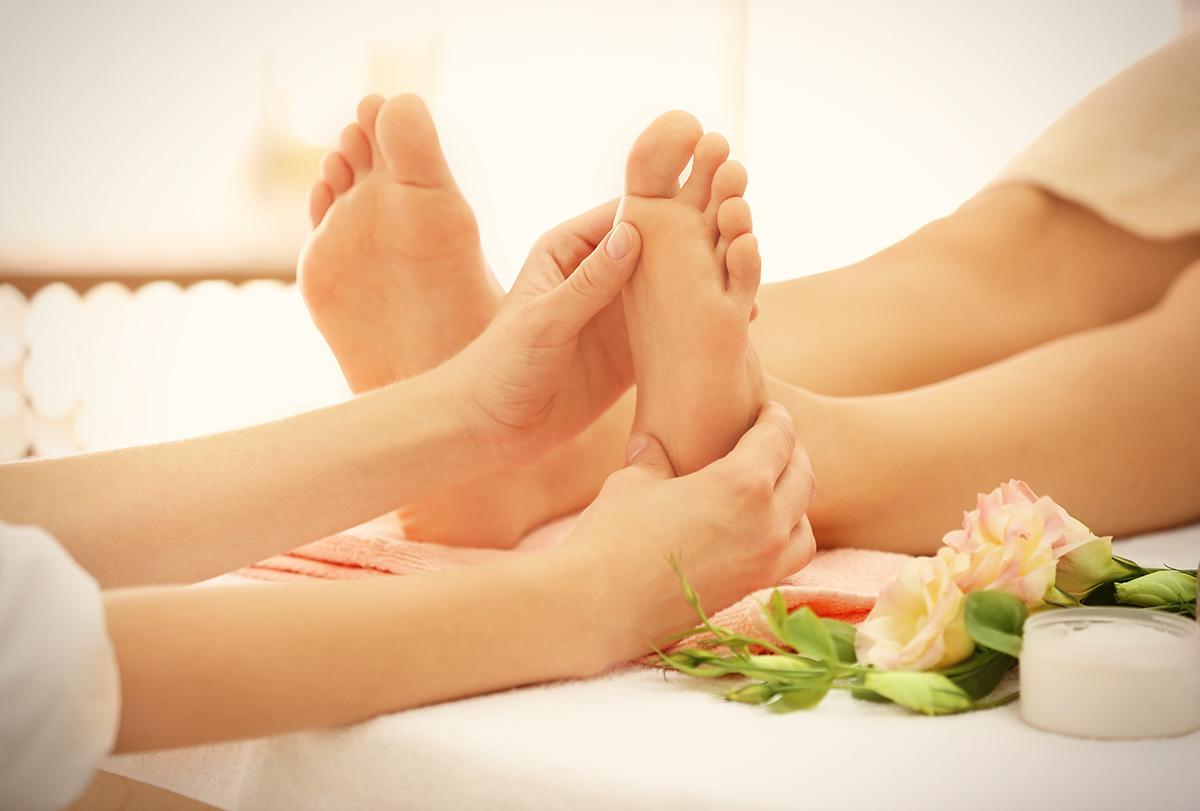 foot massage and reflexology
