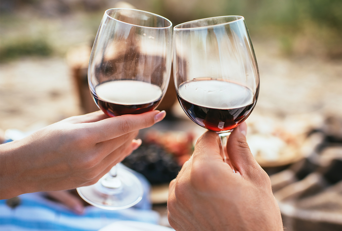 red wine benefits and risks