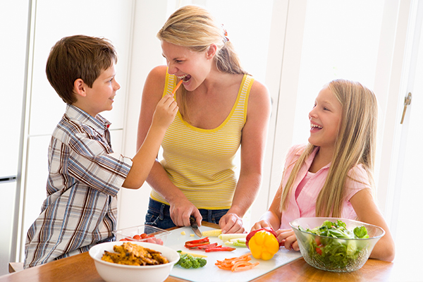 expert tips for parents who want to raise their kids as vegetarians