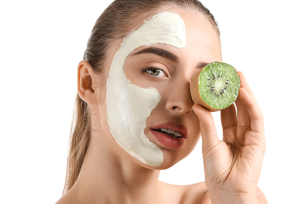 proper way to apply the face mask