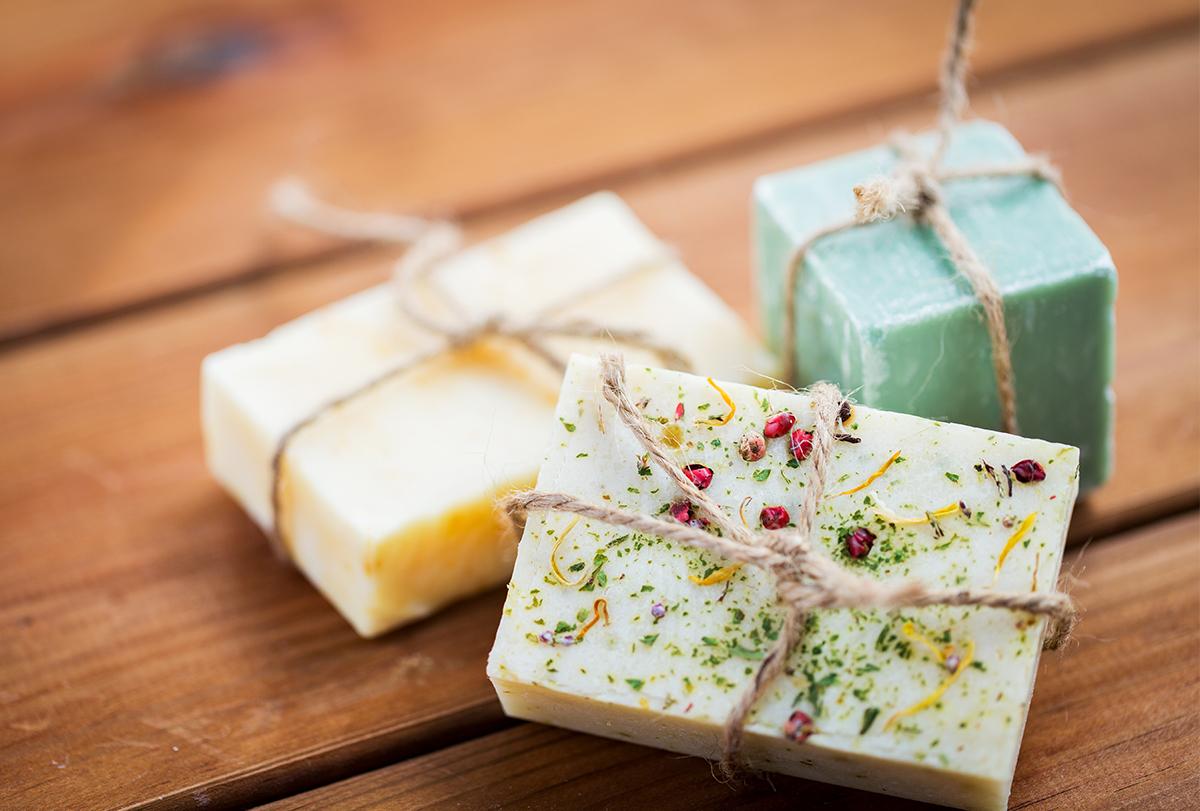 diy goat milk soap