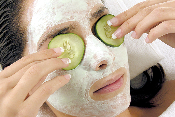 cucumber face mask can help in skin brightening
