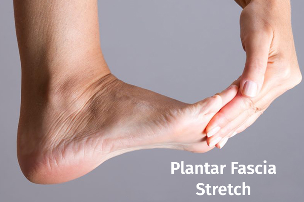 plantar fascia stretch can help relieve foot pain