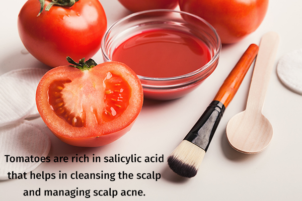 applying tomato juice to your scalp can manage scalp acne