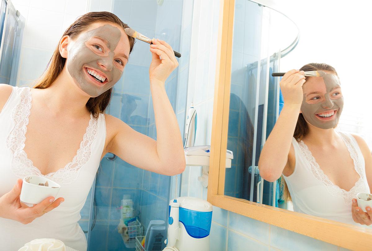 diy bentonite clay face mask for acne
