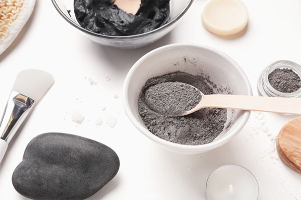 ingredients used in making bentonite clay facial masks