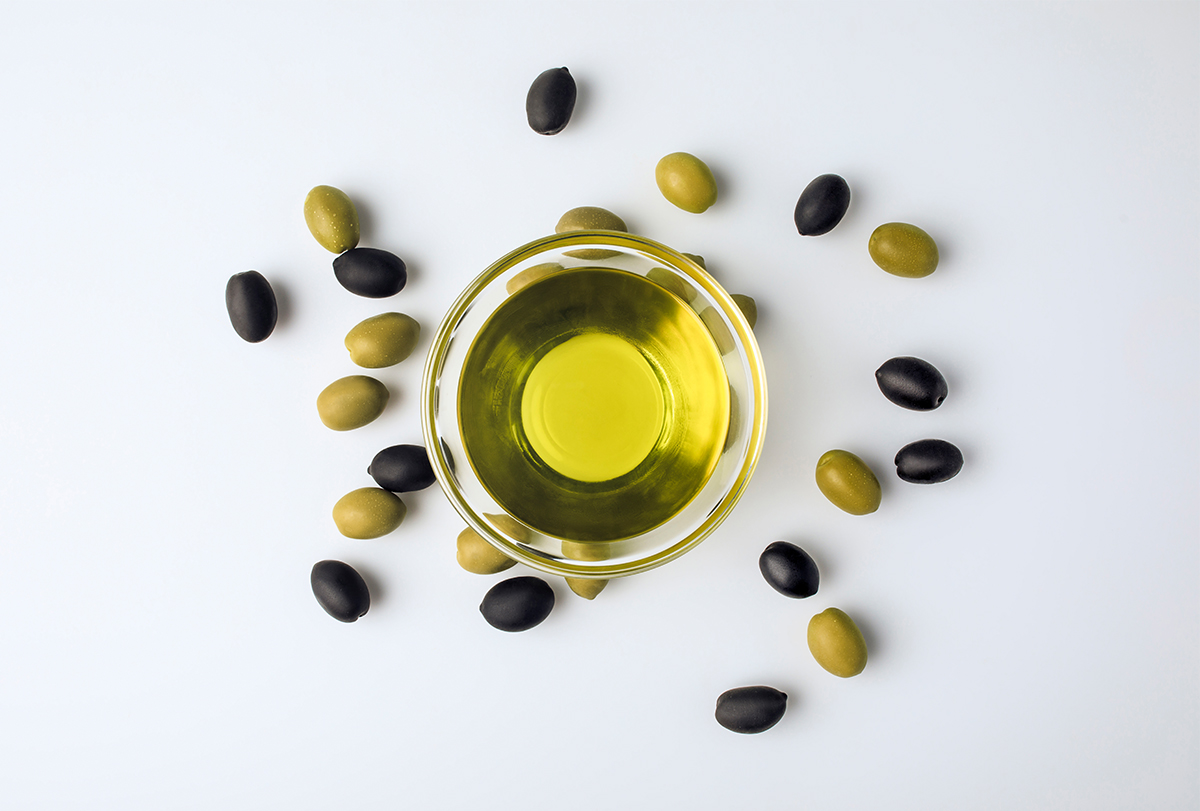 olive oil for face, skin, and hair