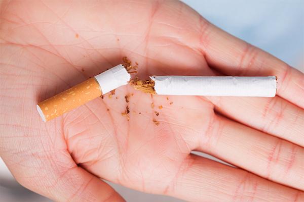 quit smoking to help improve skin health