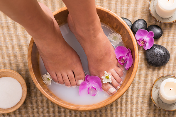 coconut oil can help relieve infections from spa treatments