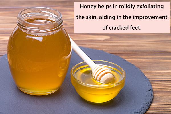 honey helps in mild skin exfoliation