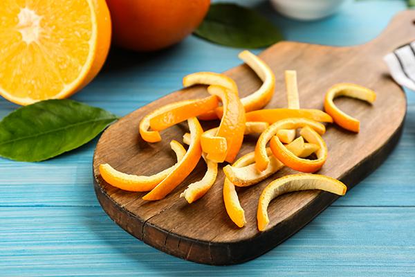 orange peels for reducing lip hyperpigmentation