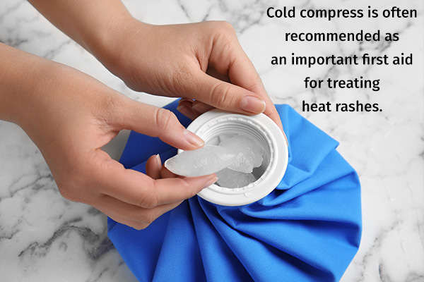 cold compress can help soothe heat rashes