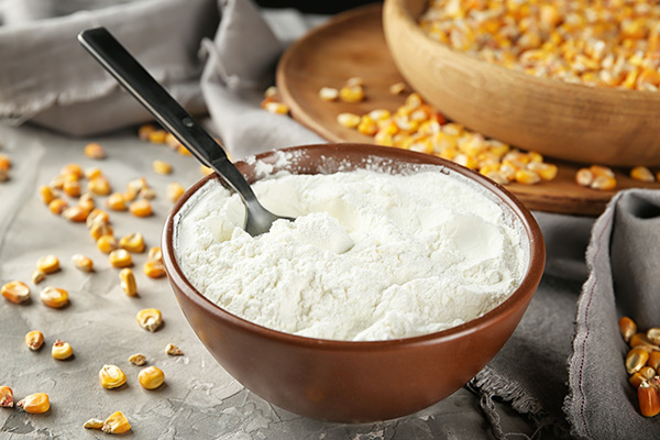 cornstarch for treating rashes under the breasts