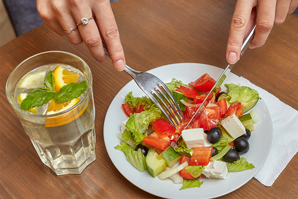 improve your diet for ensuring healthy, glowing skin